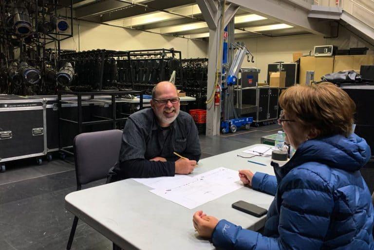 Nyco Desmeules, chef éclairagiste et concepteur d'éclairage, ainsi que Carole Bellavance, directrice artistique